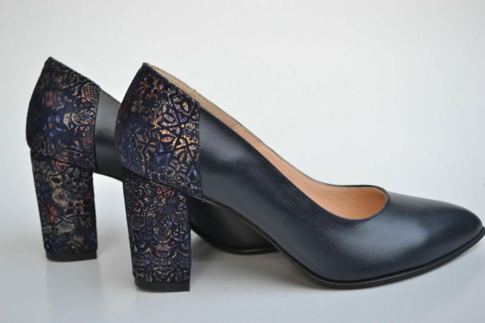 Pantofi bleu navy din piele naturala cu imprimeu