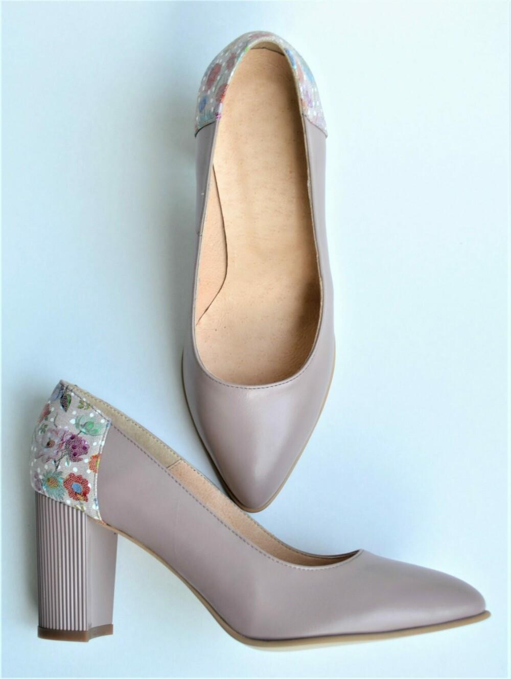 Pantofi nude din piele naturala cu toc gros