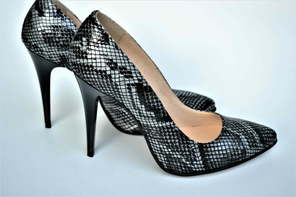 Pantofi stiletto din piele naturala cu imprimeu piele de sarpe