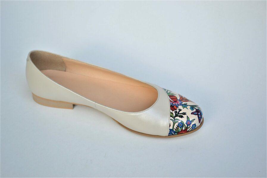 Balerini bej din piele naturala cu imprimeu floral