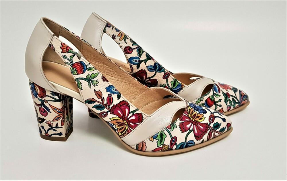 Pantofi din piele naturala cu imprimeu floral