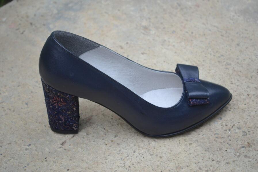 Pantofi negri din piele naturala cu funda