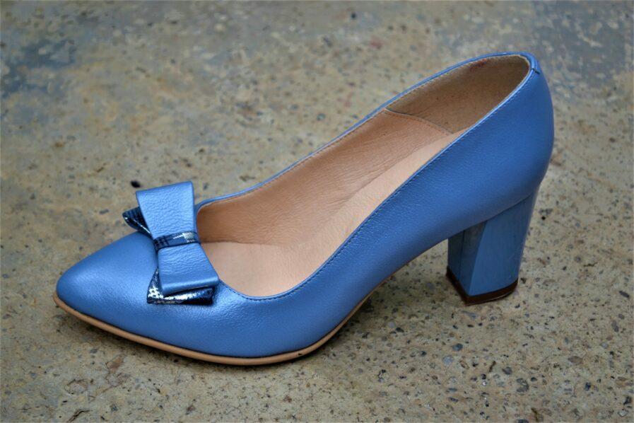 Pantofi albastri din piele naturala cu funda