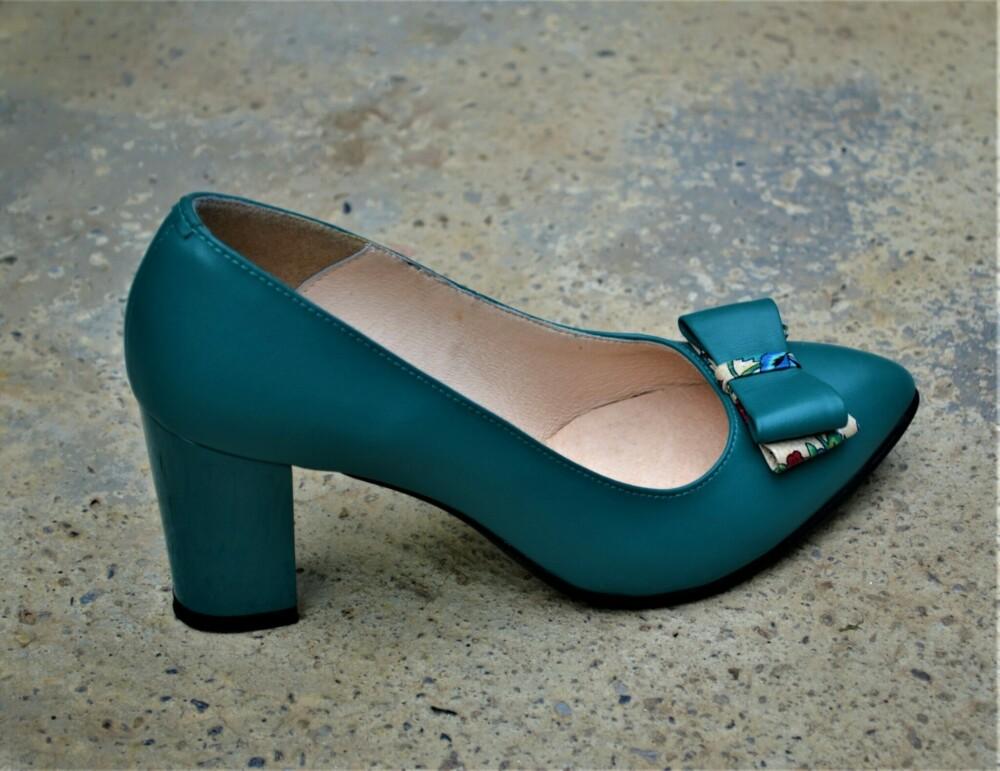 Pantofi verde pin din piele naturala cu funda