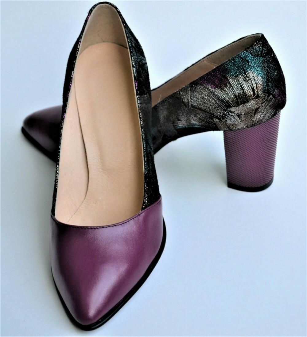 Pantofi mov din piele naturala cu imprimeu