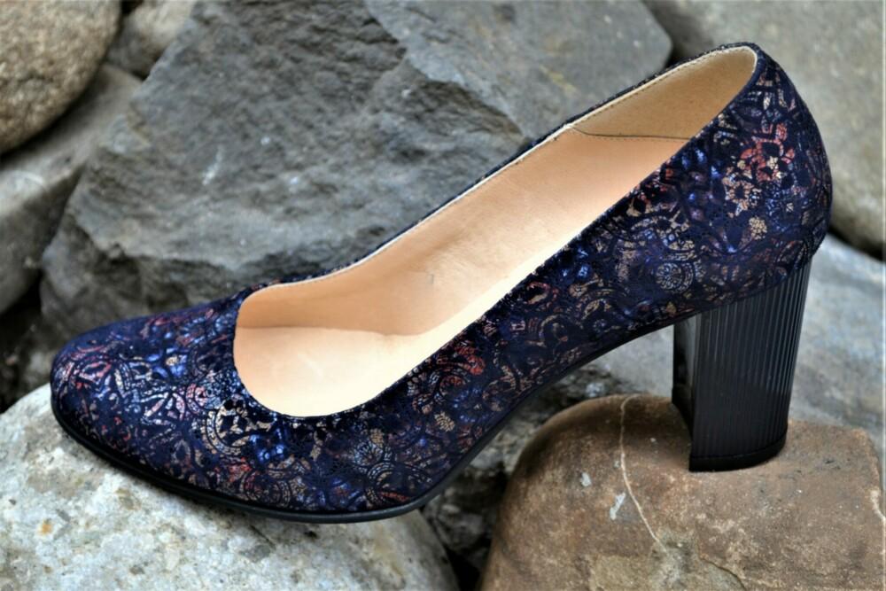 Pantofi din piele naturala cu imprimeu