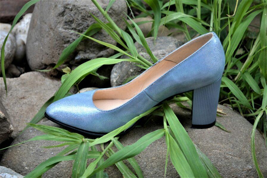 Pantofi bleu ciel din piele naturala