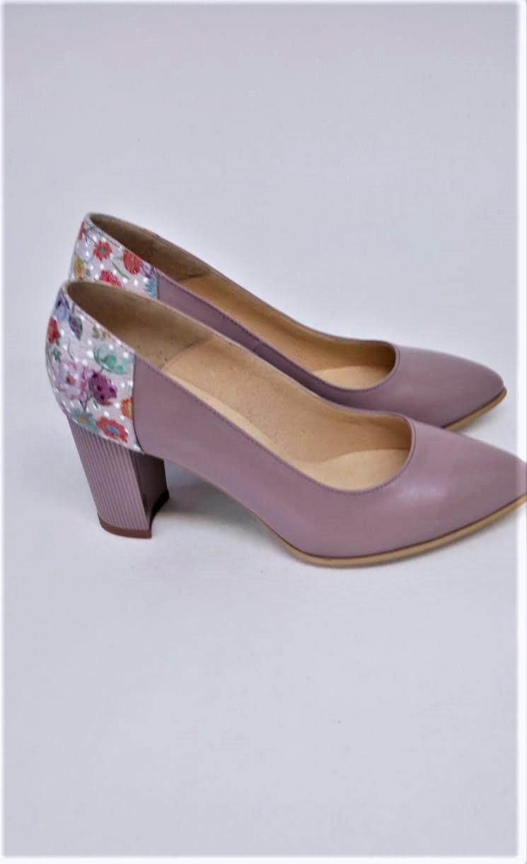 Pantofi mov pal din piele naturala cu imprimeu floral