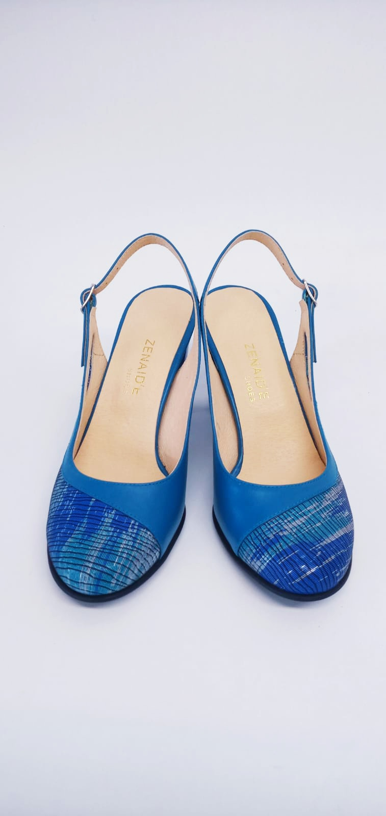 Sandale albastre din piele naturala