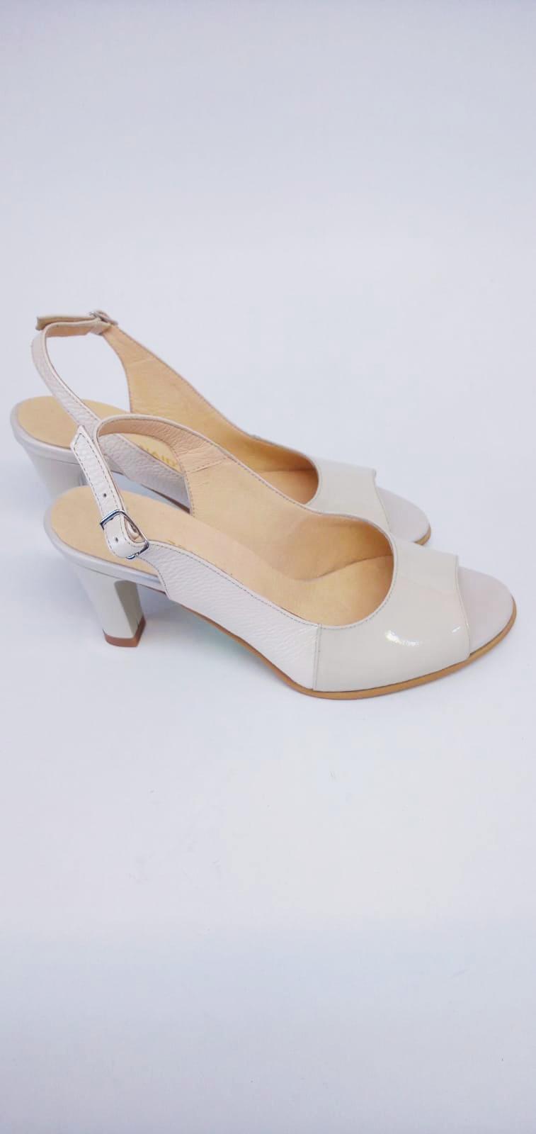 Sandale bej din piele naturala