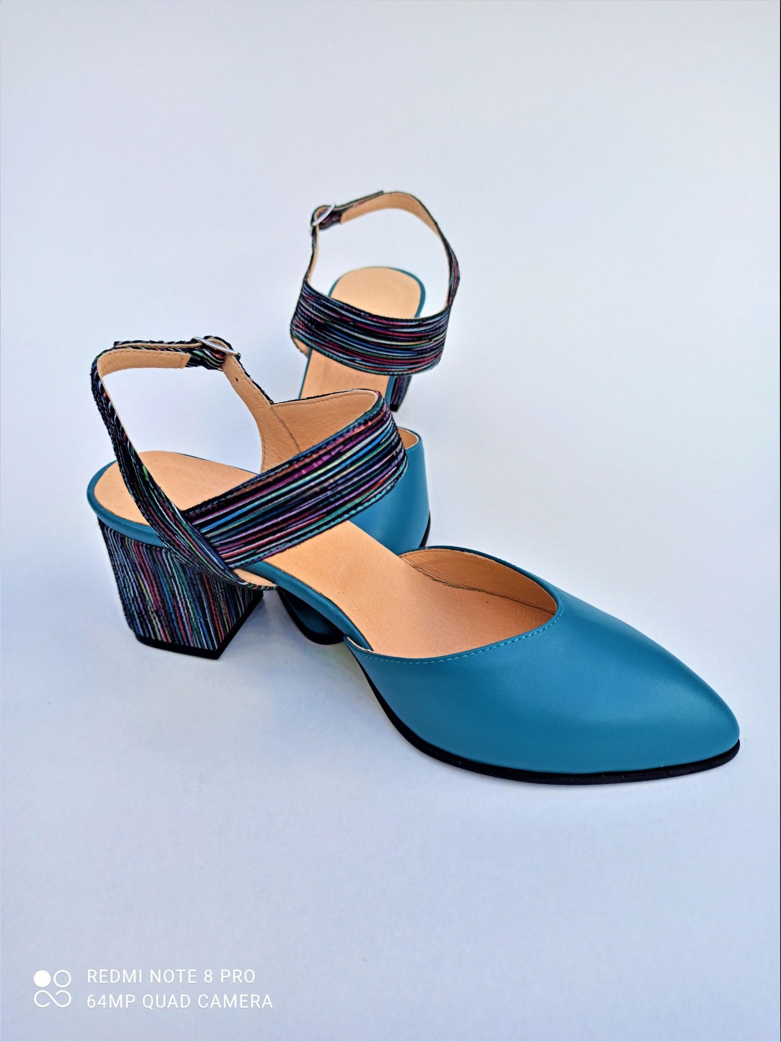 Sandale bleu din piele naturala