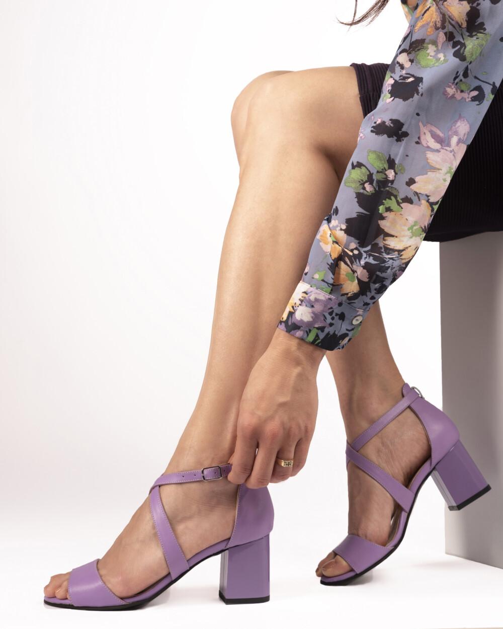 Sandale mov din piele naturală