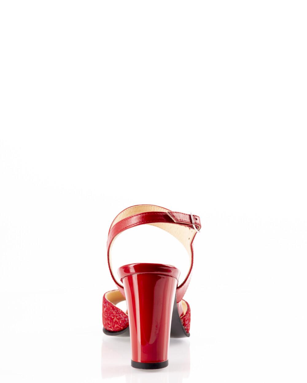 Sandale rosii din piele naturala