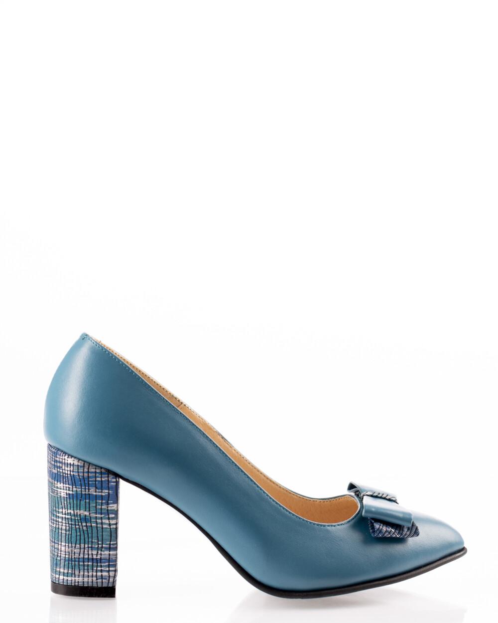pantofi albaștri din piele naturală