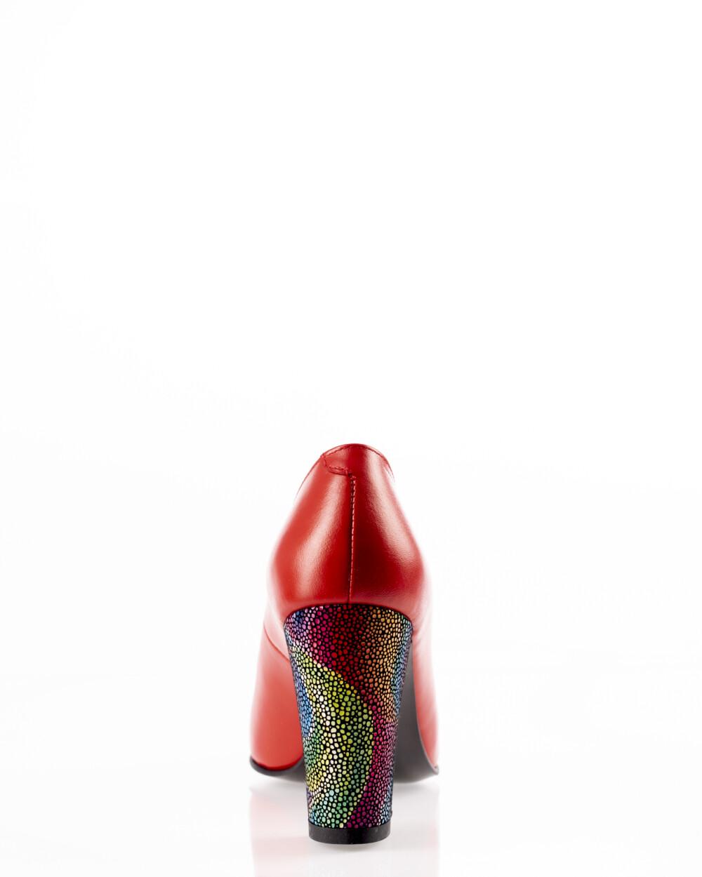 pantofi roșii din piele naturală cu toc colorat