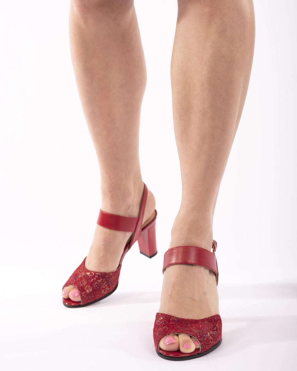 Sandale rosii din piele naturala vreaupantofi.com