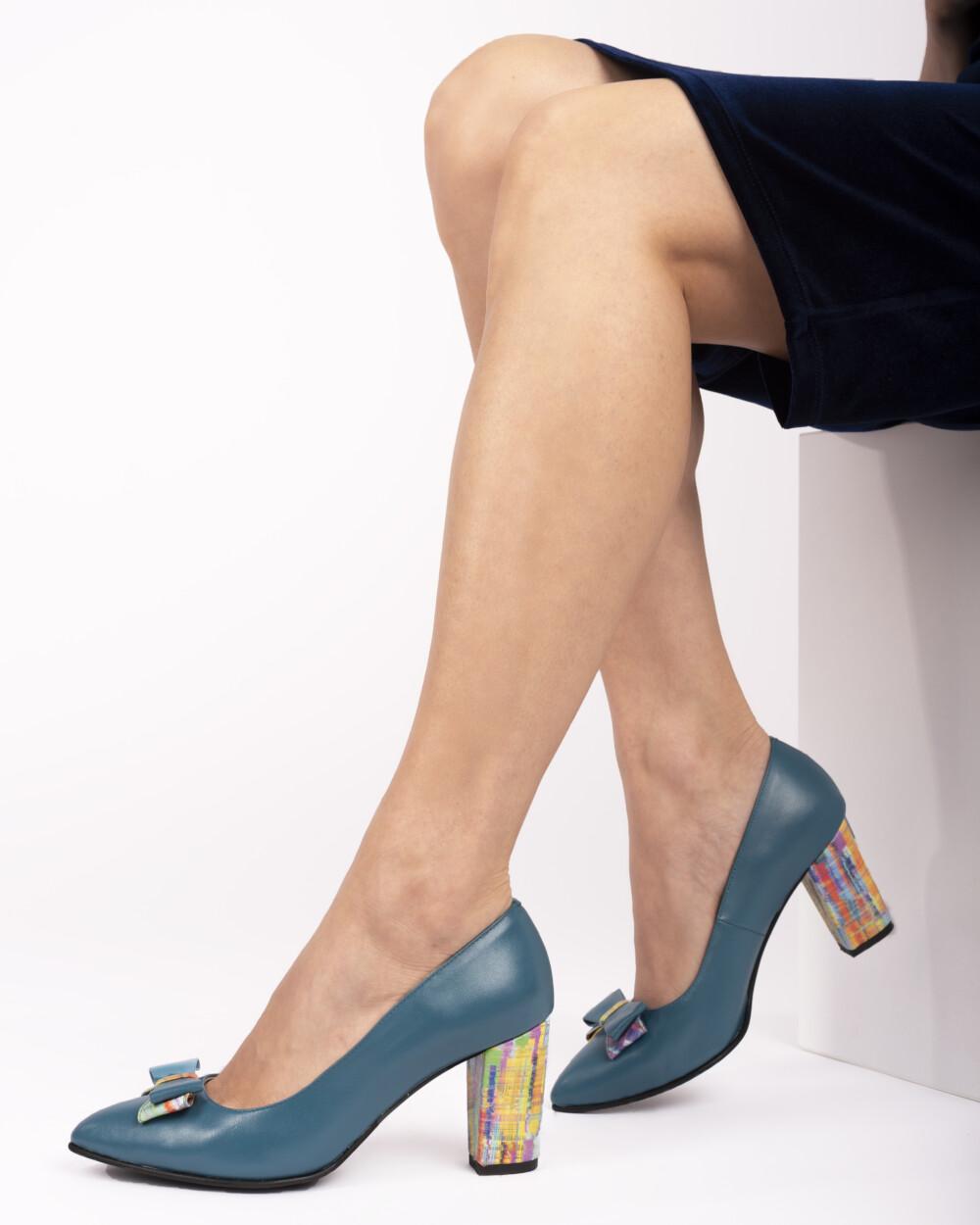 spantofi albastri din piele naturala vreaupantofi.com